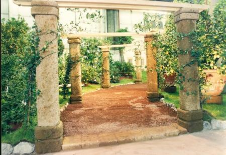 Serrano_Materieles_Construcción_columnas-piedra-volcanica